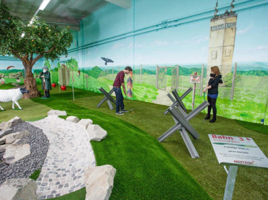 Indoor Mini-Golfplatz